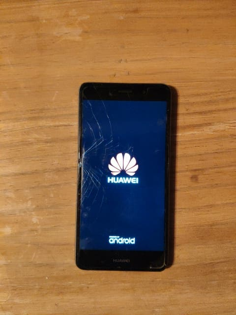 Teléfono móvil android Huawei Y7