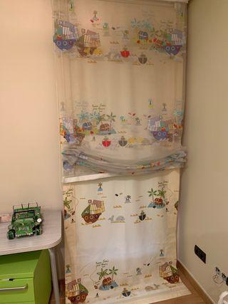 Dobles cortinas habitación infantil.
