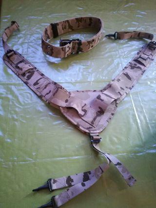cinturon militar y sus acsesorios