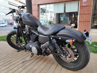 Harley Davidson Sportster Iron 883.