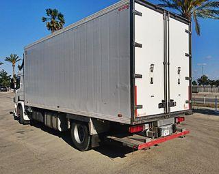 camión frigorífico Scania 94L trampilla elevadora
