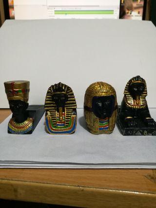 Figuras de Egipto. Tipo cuñas para puerta.Curiosas