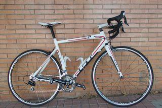 Bicicleta carretera GT GTR Series 2