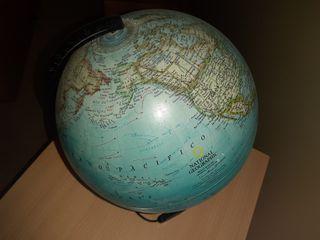 Mapa Mundi con Lámpara.