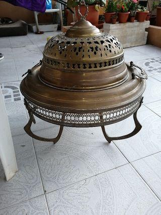 brasero moruno de bronce, muy antiguo