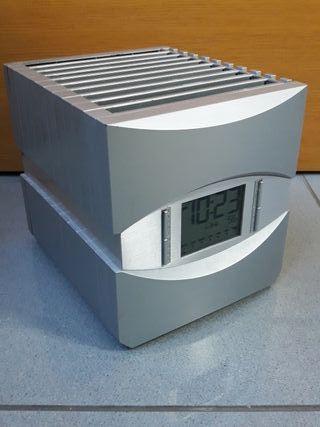 Reloj con porta-CD's