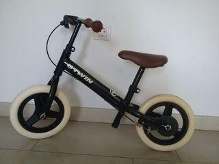 bicicleta infantil BTWIN sin pedales