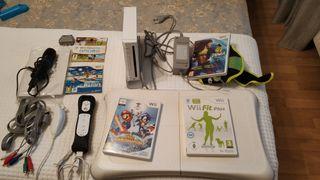 Wii blanca + 1 mando + WII fit