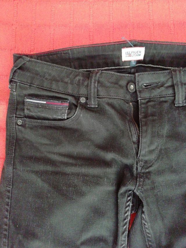 Jeans Tom Hilfiger, taller M, 30/34,negro