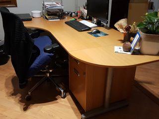 Mesa para oficina de segunda mano en Barcelona en WALLAPOP