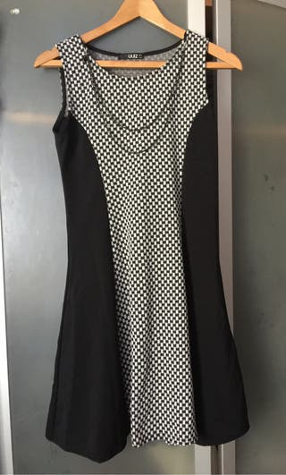 DRESS QUIZ SIZE 10
