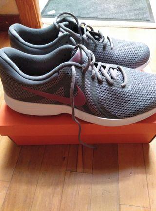 Zapatillas Nike nuevas talla 45.5