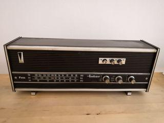 Radio vintage marca inter.