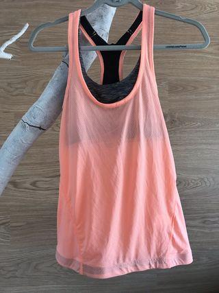 Camiseta deportiva sin estrenar