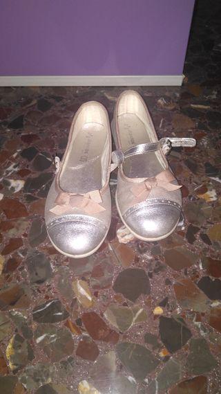 Zapatos niña talla 34.