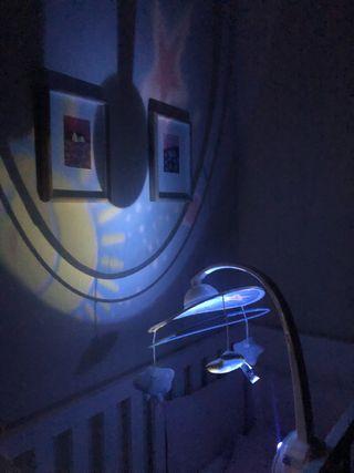 Movil de cuna con proyector Chicco