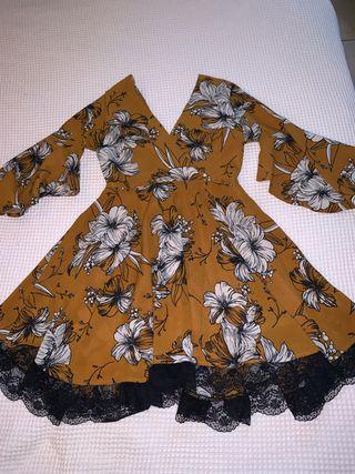 Vestido mini flores
