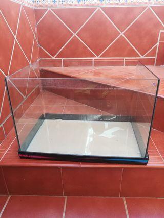 se vende acuario nuevo