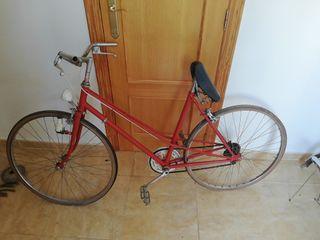 vendo bicicleta antigua restaurada