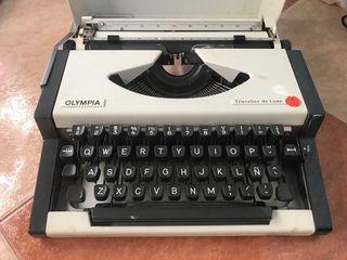 Máquina de escribir Olympia traveller de luxe.