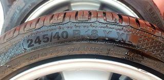 "Brock B15 en 18"" con neumáticos"
