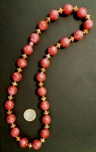 Antiguo collar bolas con purpurina años 70