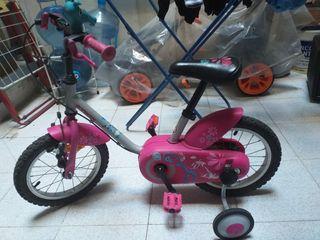 bicicleta de niña casi nueva poco uso