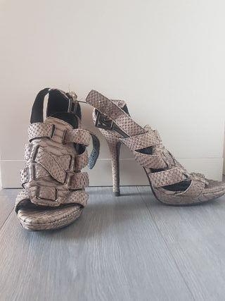 a31714fd Mano Por De Msvpglqzu Sandalia 38 Talla Grises Zara Zapatos Segunda ...