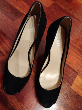 Negros Toe Zapatos GuessTalla Ante Por Peep De 38Segunda Mano OvmNy8n0w