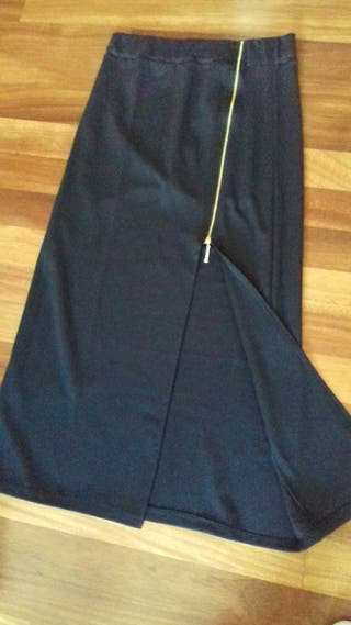 94d57afb5b Falda larga negra de segunda mano en la provincia de Vizcaya en WALLAPOP