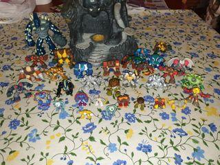 fortaleza gormiti + 30 muñecos juguete
