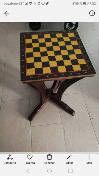 mesa ajedrez artesanal