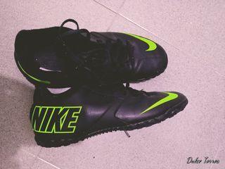 botas o zapatillas deportivas