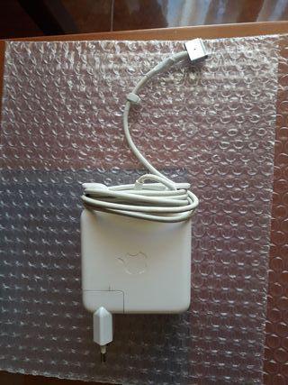 cargador macbook pro 13 retina A1502