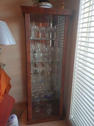 vitrina de madera .