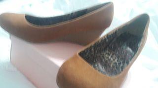 zapatos camel puestos una vez
