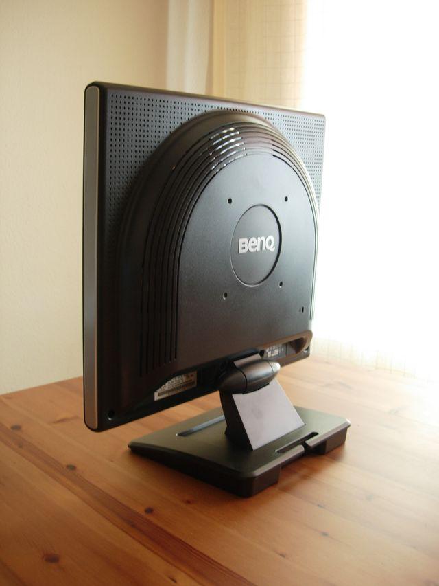 Monitor LCD BENQ FP767-12