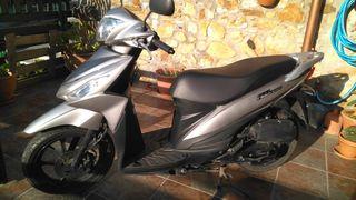 Moto Suzuki Address 110 de 2015