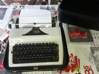 maquina de escribir erika modelo 100