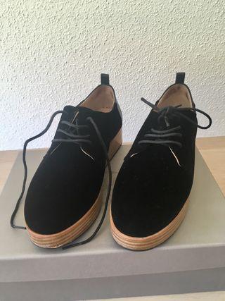 Zapato cordones Hoss Intropia