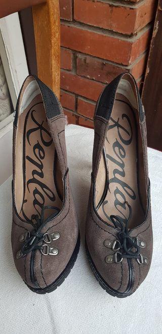 7759d9493 Zapatos de tacón niña de segunda mano en Barcelona en WALLAPOP