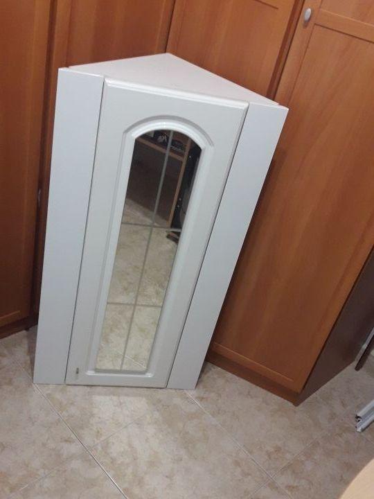Mueble Lavabo Esquinero.Armario De Lavabo Esquinero Blanco Con Espejo De Segunda