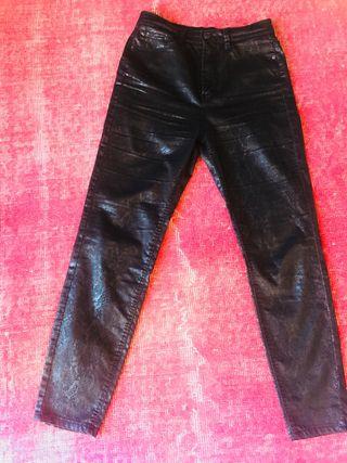 Pantalón talla 36 estampado print negro sensacion