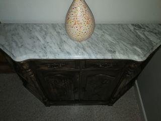 mueble con encimera de marmol