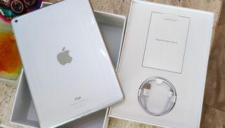 iPad 32gb silver 6th gen.