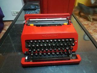 Máquina de escribir Olivetti valentine