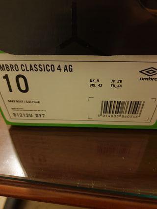 Botas de Futbol Número 44. Umbro Classico 4 AG.