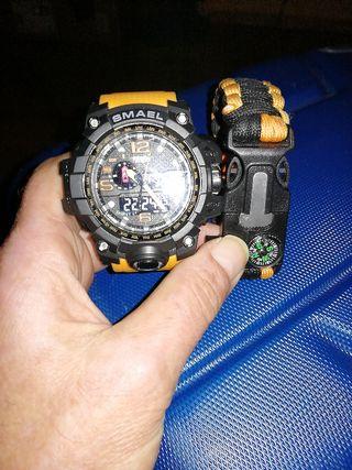 Reloj digital grande Sumergible y pulsera a juego