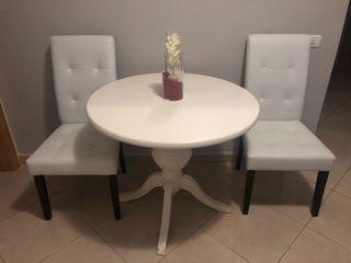 Mesa redonda + 2 sillas