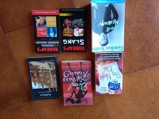 lote variado de libros en inglés